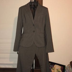 NY & Co Suit
